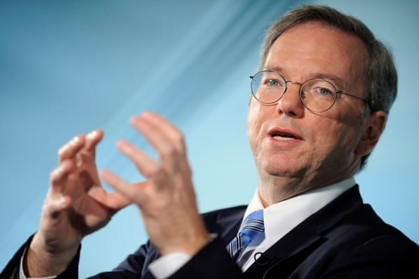 Photo of Eric Schmidt ama ancora il suo BlackBerry!
