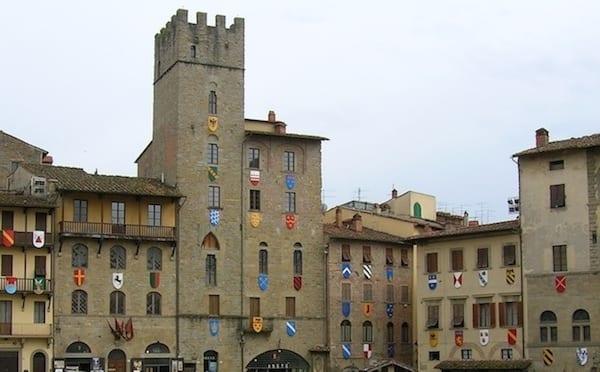 Photo of Fanfani annuncia le deleghe degli assessori del Comune di Arezzo dopo il rimpasto