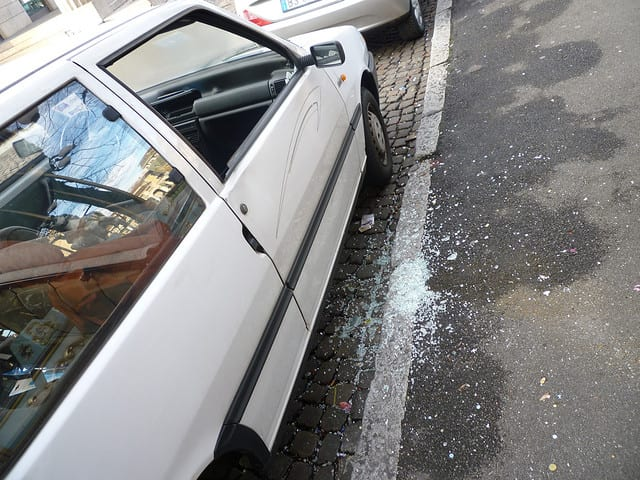 auto vandalizzata