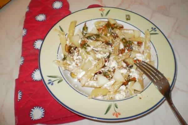 Photo of PRIMI – Penne con pancetta croccante e fiori di zucca