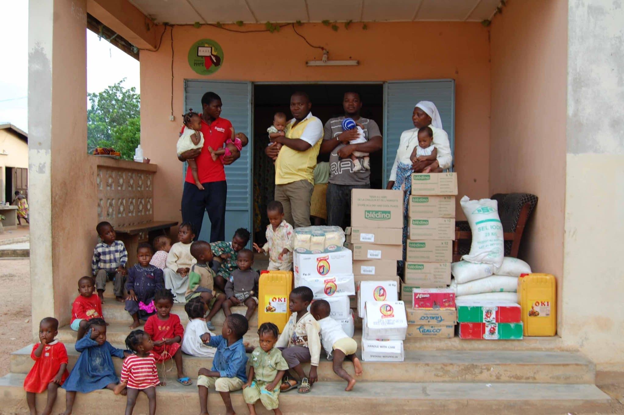Photo of PONTASSIEVE – Latte in polvere e altri generi alimentari nell'orfanotrofio del Benin