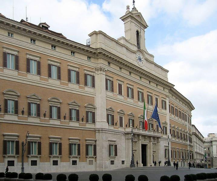 Photo of POLITICA – Blocco lavori Parlamento. È guerra nel Pd