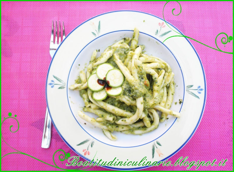 maccheroni pesto zucchine