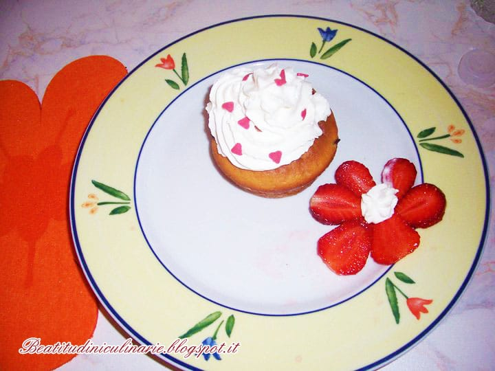 Photo of Muffins alle fragole, una variante in rosa!