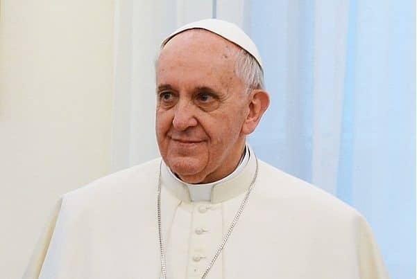 Photo of 'Pronto? Sono Bergoglio'. Papa chiama ragazza di Arezzo