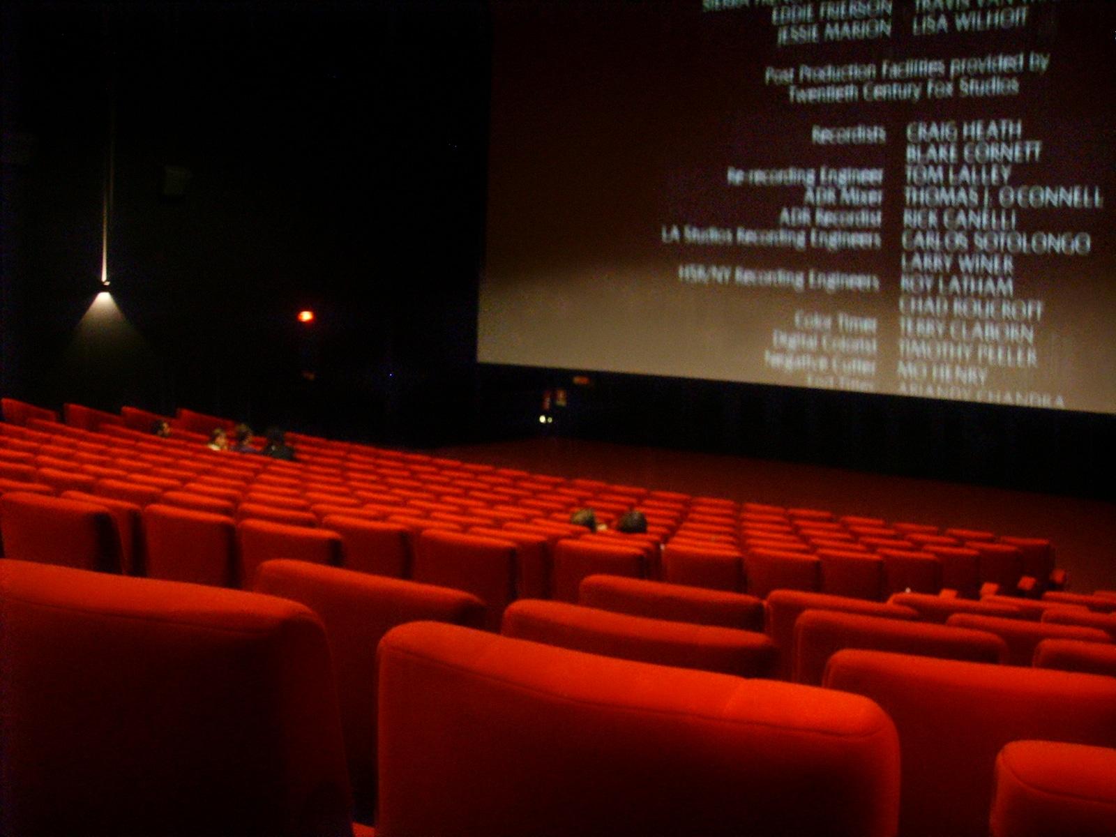 """Photo of Fase 3, cinema, Marchetti (FI): """"In Toscana film in maschera. Regione irremovibile obbliga alla mascherina una volta a posto"""""""