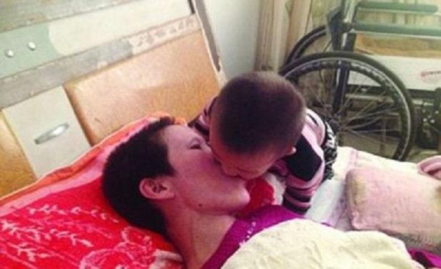 Photo of In coma, svegliata dal bacio del figlio di 2 anni