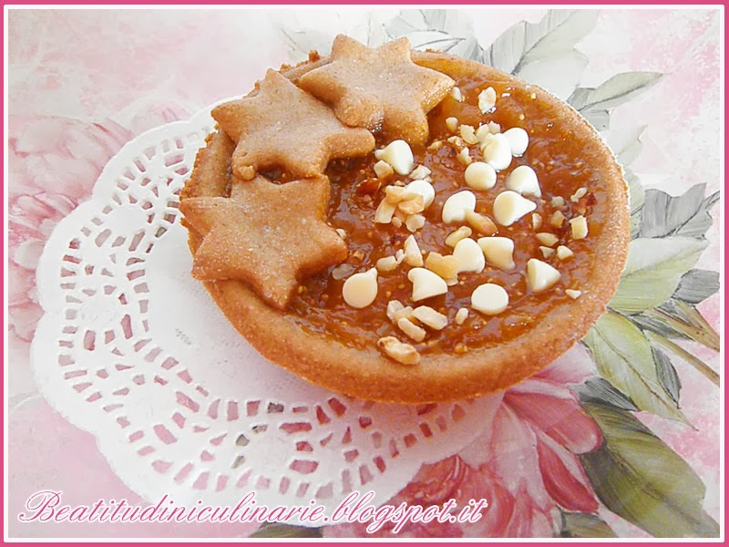 Photo of Crostatine di frolla vegan al farro con fichi al miele