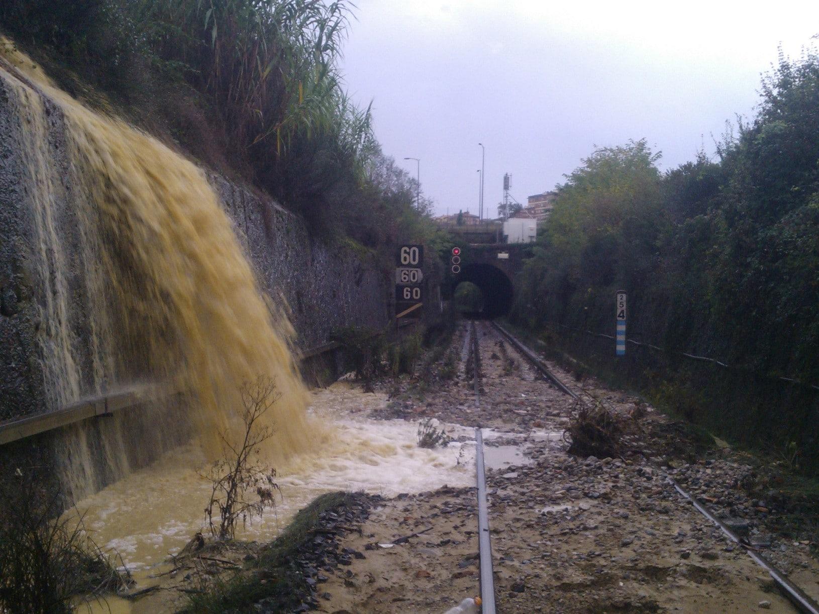 Photo of MALTEMPO – La situazione delle ferrovie in Toscana