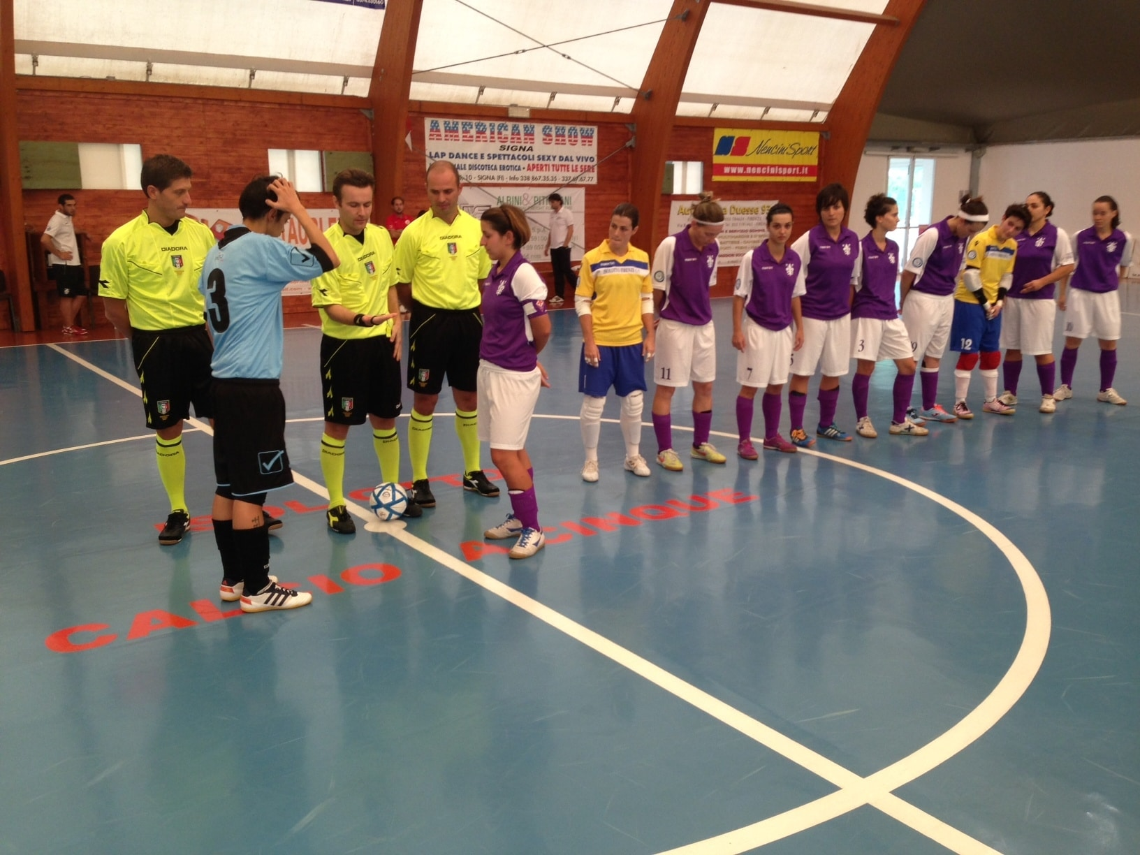 Photo of CALCIO a 5 – Isolotto donne, esordio col botto in casa.