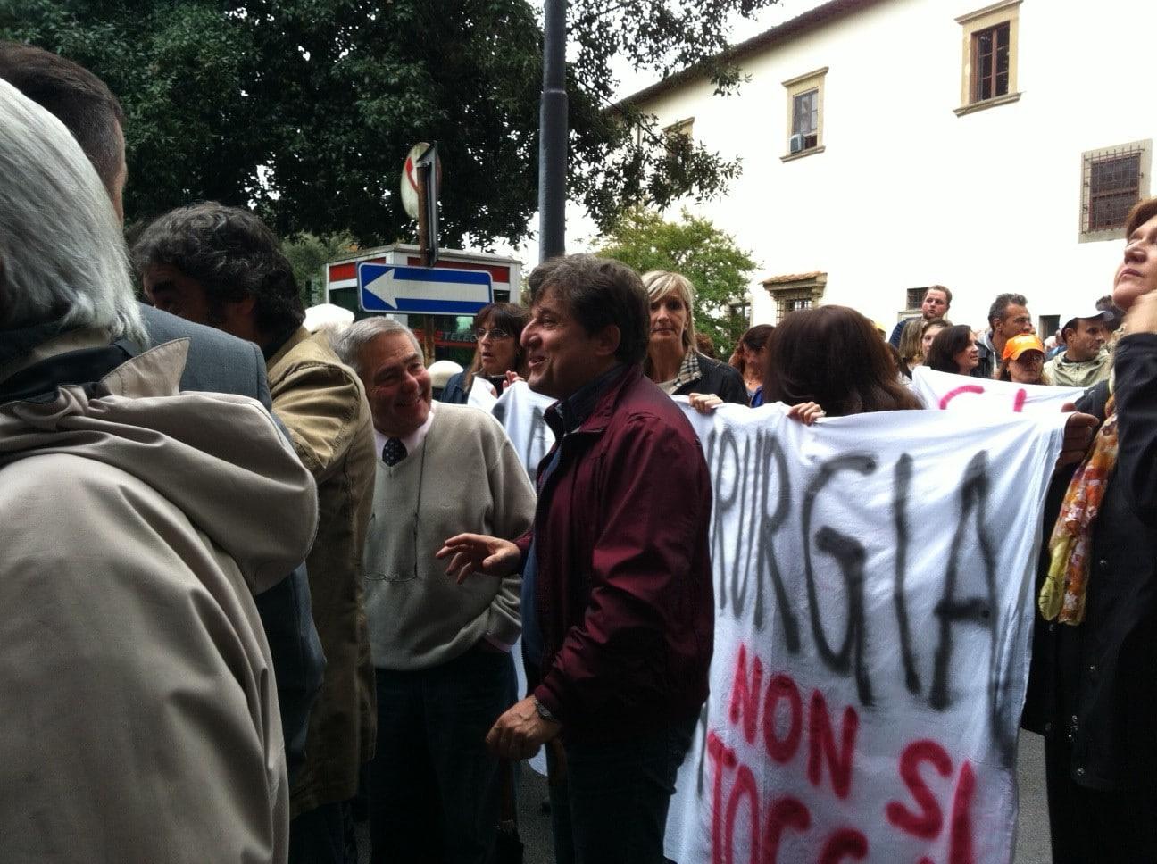 Photo of FIGLINE – Mille persone al corteo pro Serristori