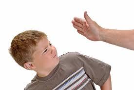 schiaffo figlio