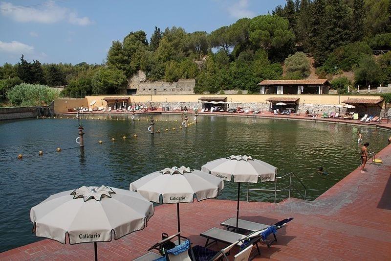 "Venturina Terme Calidario foto ""LepoRello (Wikipedia)"""