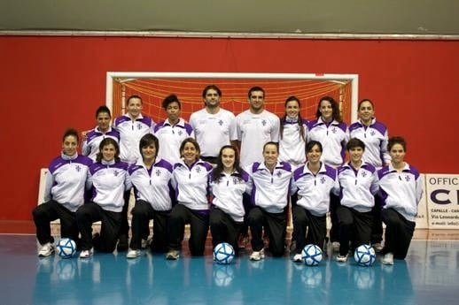 Photo of CALCIO a 5 – Isolotto a Padova con le donne. Uomini in casa