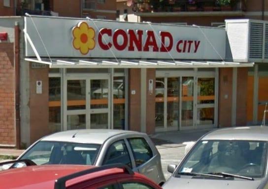 Photo of PISTOIA – Tentato furto al Conad. Auto usata come ariete