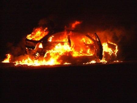 auto a fuoco - incendio