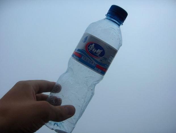 Bottiglia d'acqua (foto di repertorio)