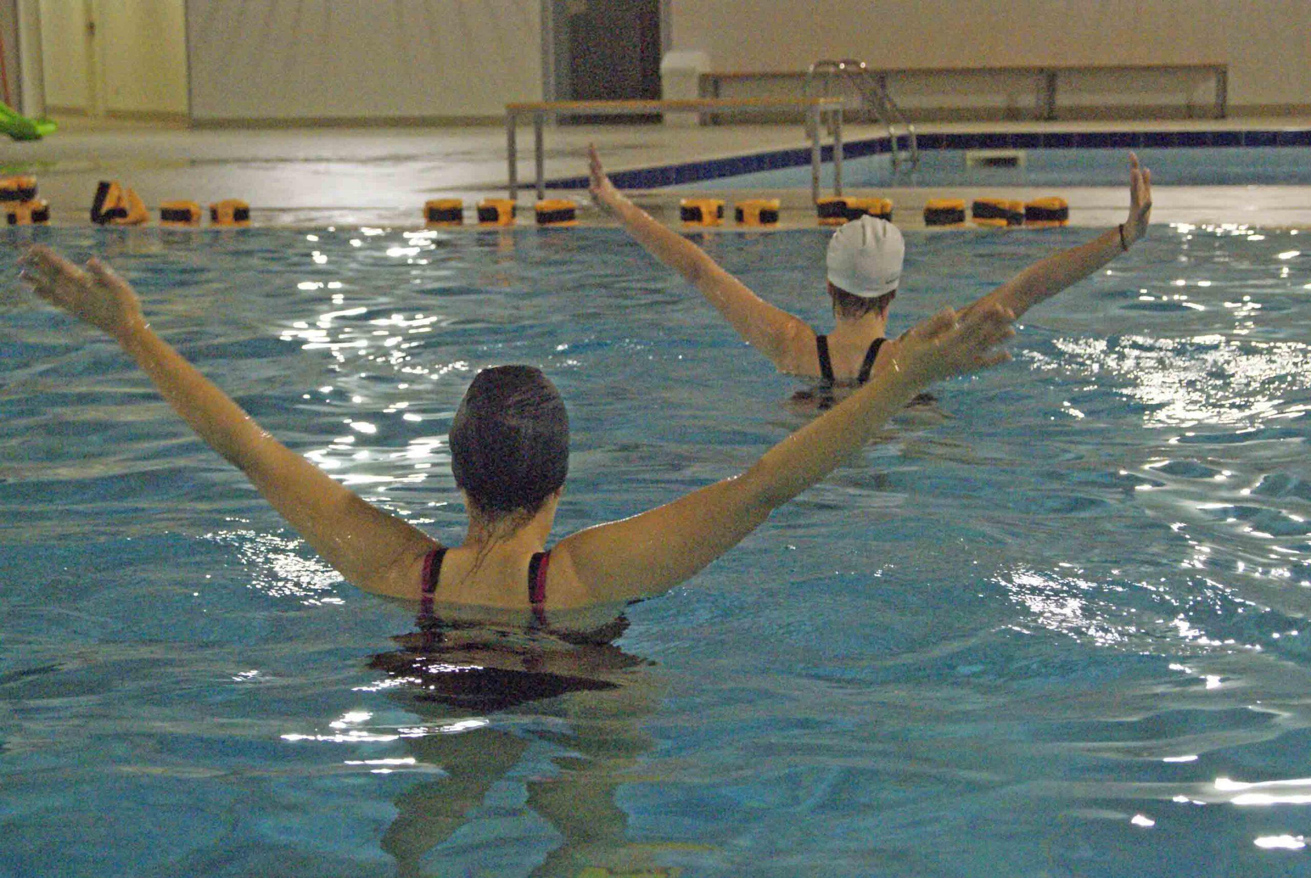 Photo of AREZZO: Chimera Nuoto, Aperitivo e acqua gym: l'Aperigym