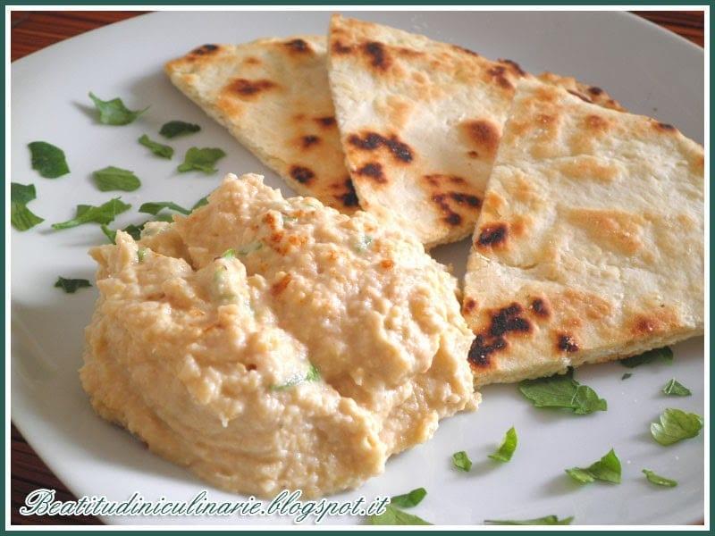 Photo of Hummus con pita, cucina Greca