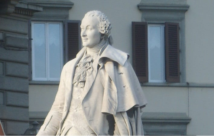 Photo of FIRENZE – Atto vandalico contro statua Carlo Goldoni