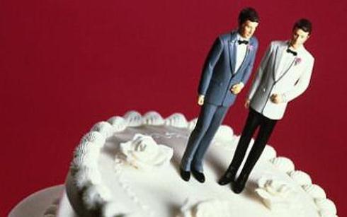Photo of GROSSETO – Giudice riconosce matrimonio gay: 'Trascriverlo in Comune'