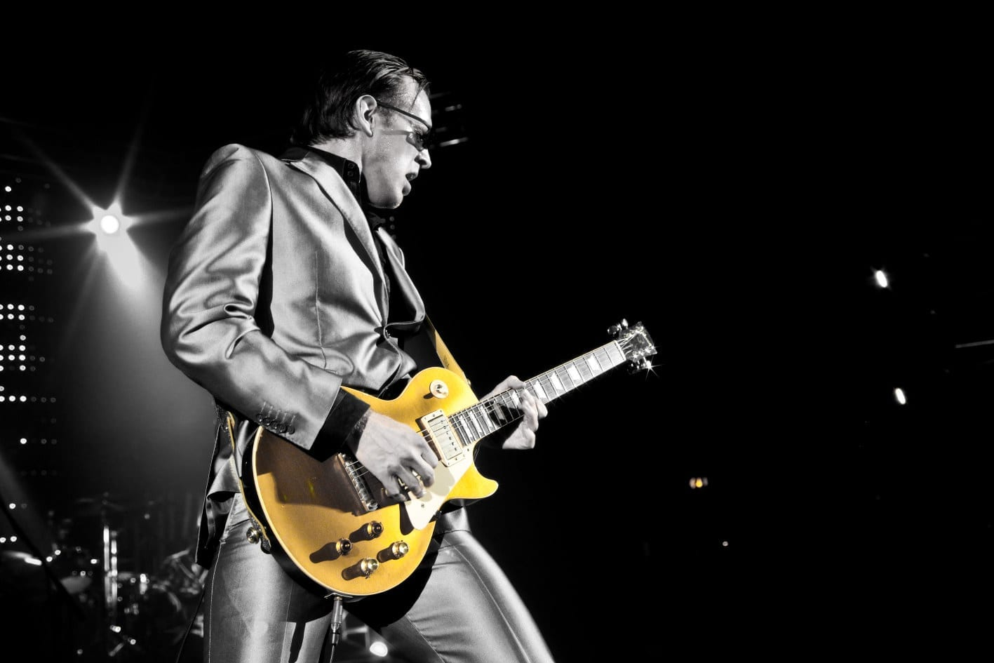 Photo of Joe Bonamassa leggenda della chitarra.  A Firenze l'unica data italiana dell'estate