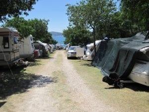 camping-275892_640