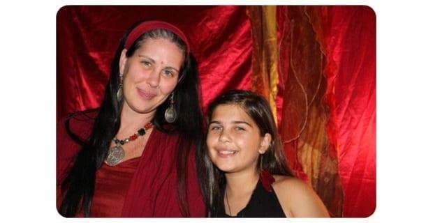 "Photo of Da ragazze a donne, in una tenda rossa. Arriva anche in Italia ""tende rosse in ogni quartiere"""