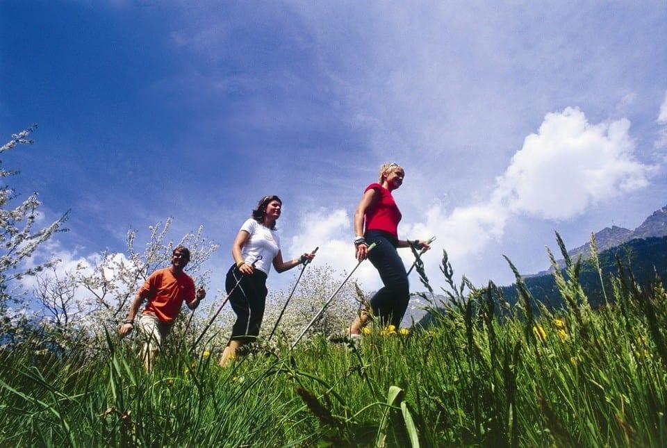 Photo of Nordic Walking : benessere a 360°- conferenza e presentazione libro al Nuovo Teatro Commedie