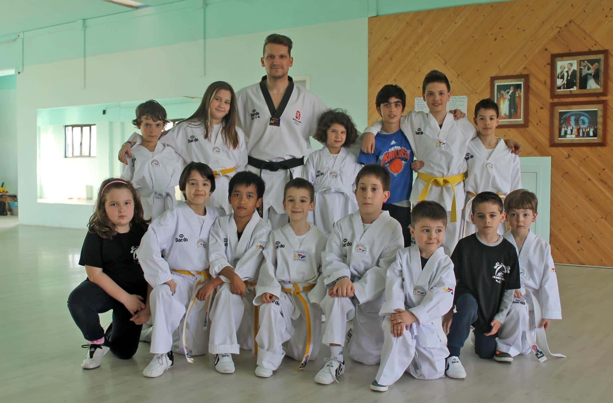 Photo of AREZZO – I bambini del Centro Taekwondo Arezzo hanno brillantemente superato gli esami per il passaggio di grado
