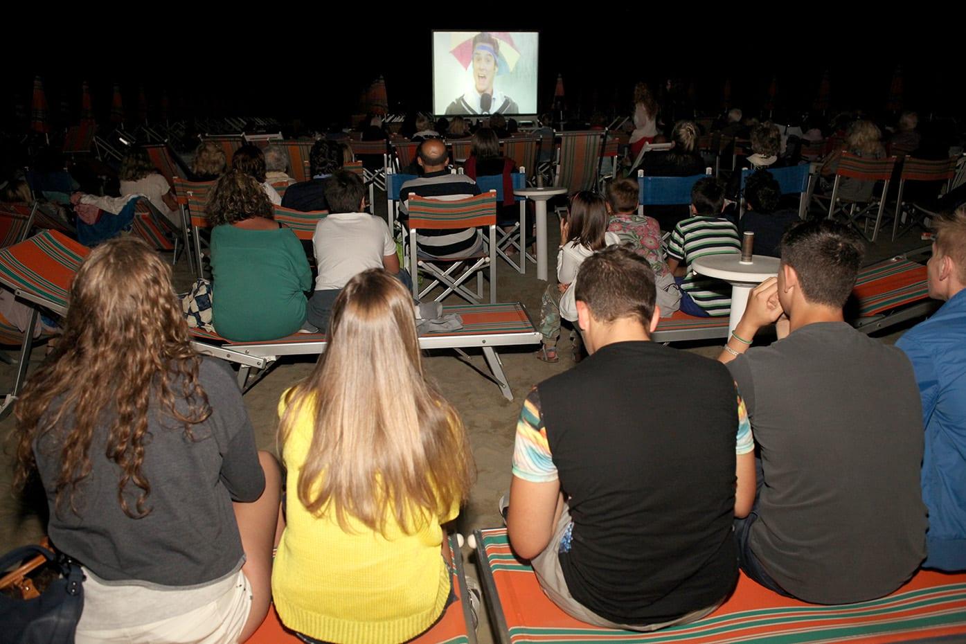 Photo of CAMAIORE – A 'Lido Cinemare' semaforo verde per 'Cars'