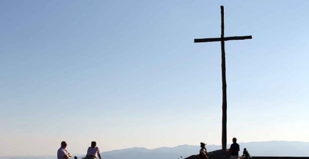 Photo of Notte delle Stimmate – In cammino verso la Verna per invocare la pace in Medio Oriente