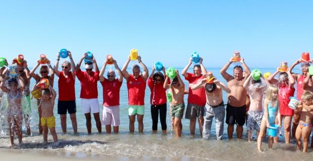 Photo of Secchiata di acqua marina contro la Sla – Presente anche l'ex ministro Carrozza