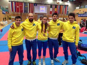 Arezzo Karate - Gruppo di atleti (4)