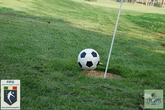 Photo of L'eleganza del golf incontra la popolarità del calcio: nasce footgolf Toscana