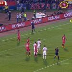 """Serbia-Albania, 35'15"""" piovono oggetti e fumogeni dagli spalti"""