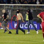 Serbia-Albania, il gruppo guidato da Ivan Bogdanov, volti coperti e cinghie pronte all'uso