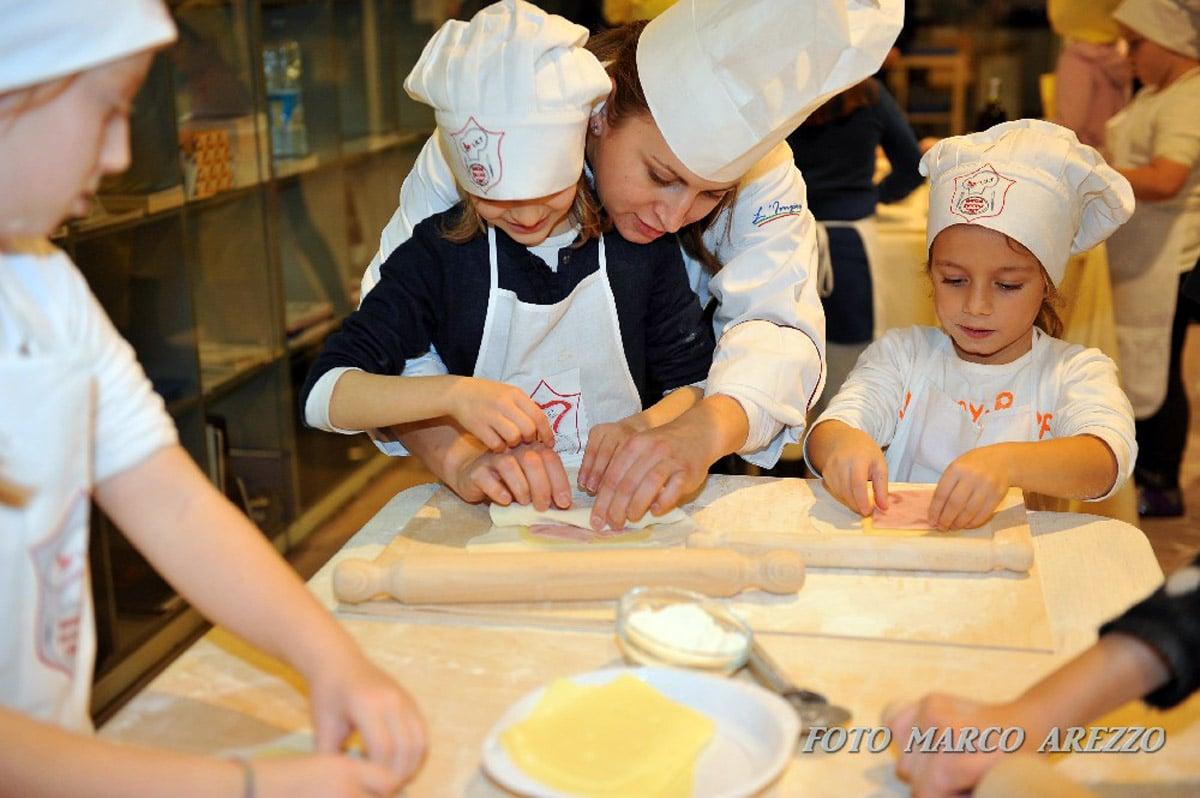 Photo of AREZZO – I grandi artigiani incontrano la Banda dei Piccoli Chef