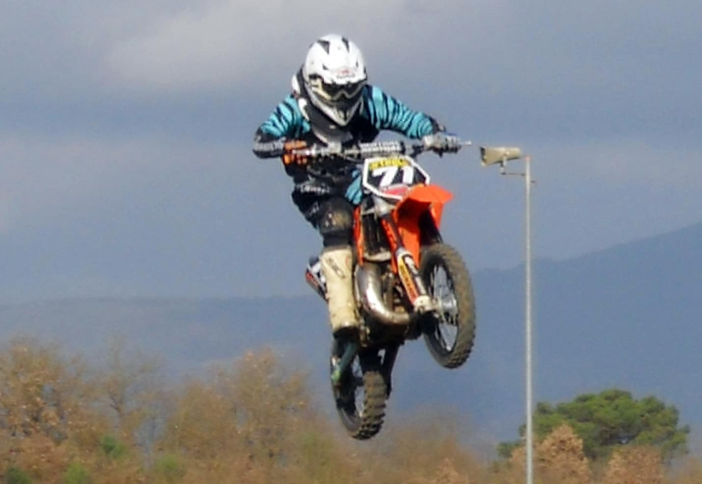 Photo of CASTIGLION FIORENTINO – La Steels Motocross torna in pista con un team giovanissimo