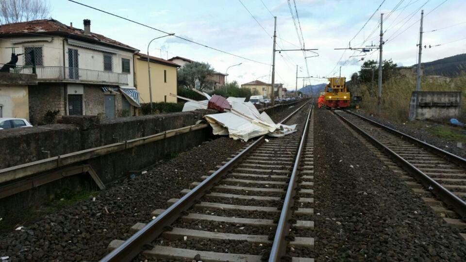 Photo of RFI – In Toscana e Liguria circolazione ferroviaria a rilento