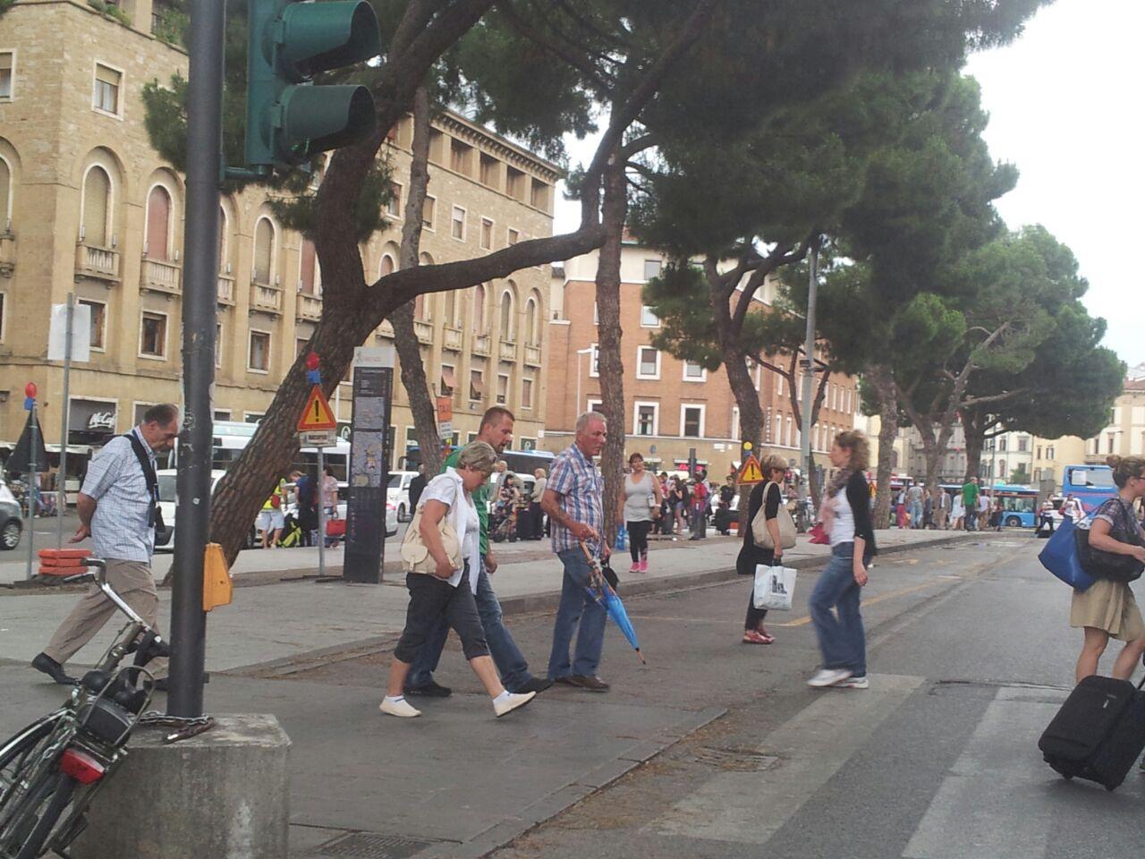 Photo of POLITICA – Torselli (FdI-An): 'Preoccupazione per il traffico in zona Fortezza durante Pitti: la giunta non risponde'