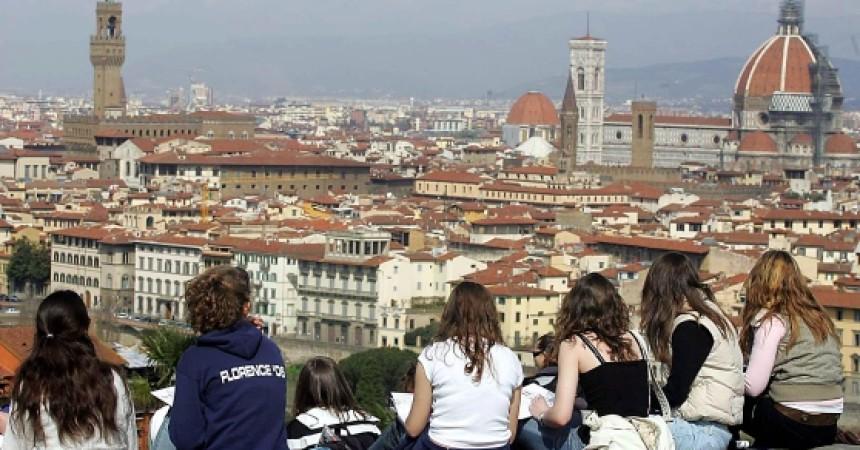 Photo of Giù le tasse a Firenze, dimezzata IRPEF. Risparmi su asili e TARI