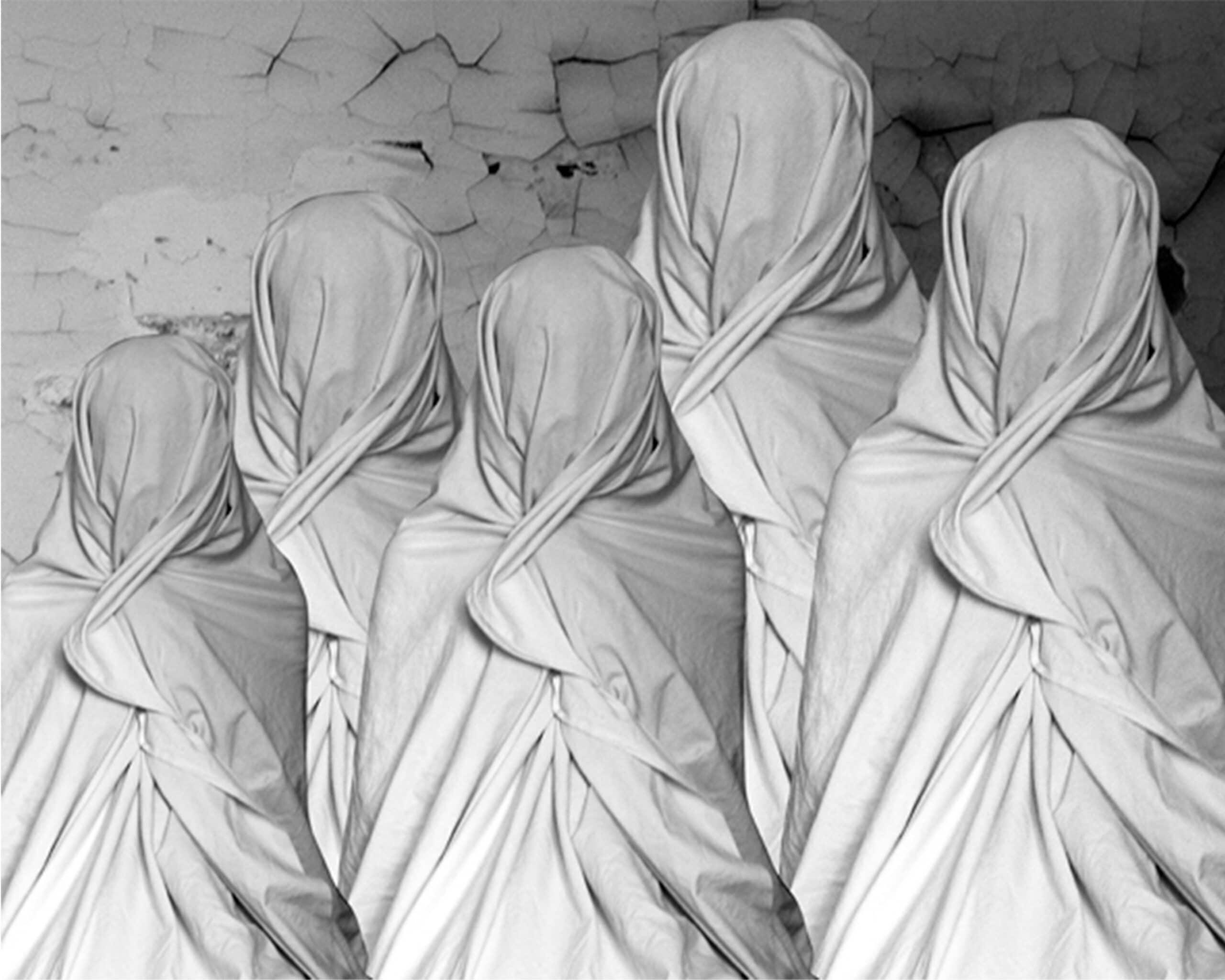 """Photo of LIVORNO – Conto alla rovescia per """"Oltre il velo"""" Una mostra di sette artiste tunisine nell'ambito del Tavolo della Fotografia"""