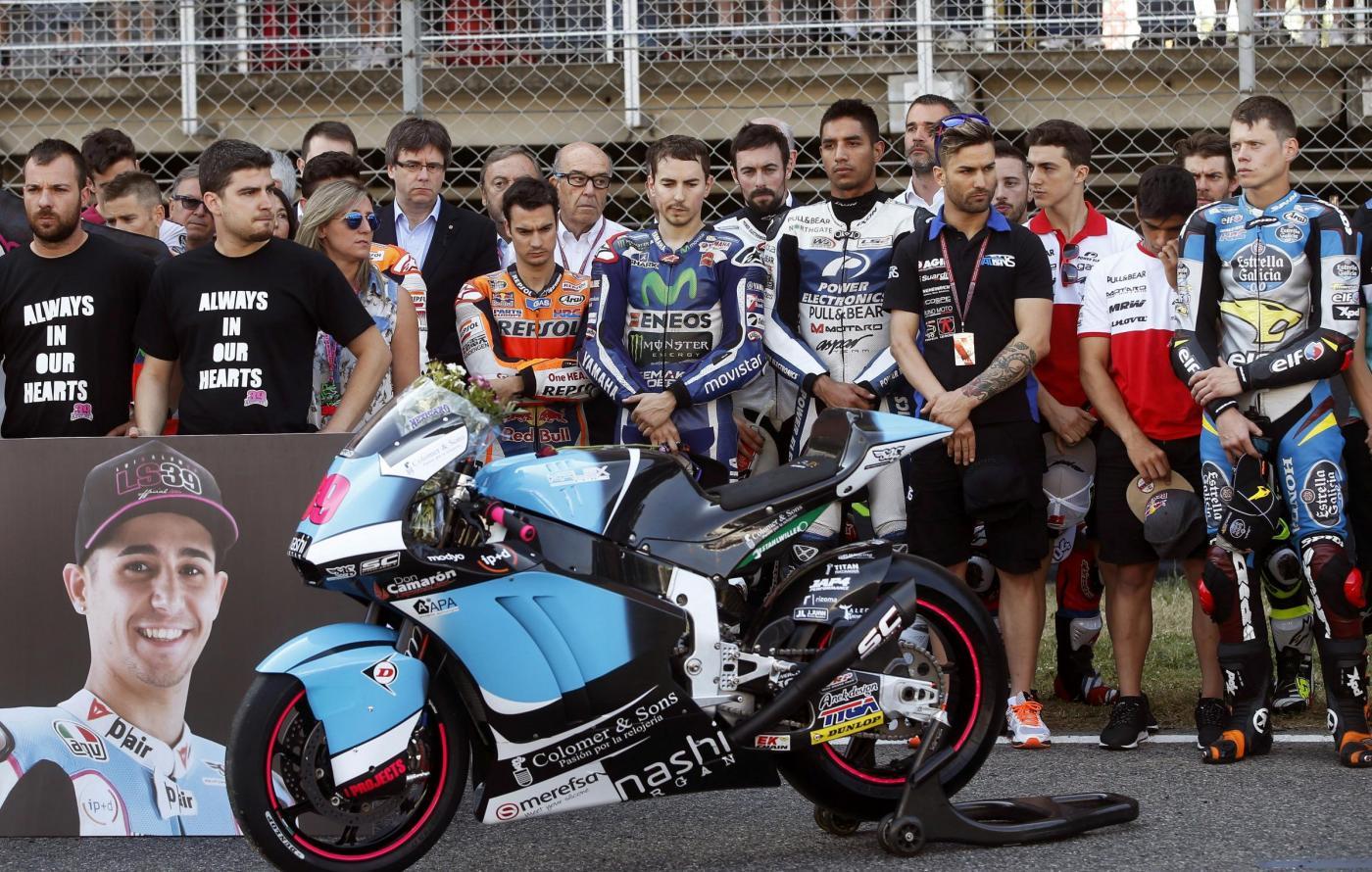 Photo of MOTOGP – Lutto nel motomondiale, Luis Salom cade in curva 12 del GP di Catalunya e colpisce in pieno la moto