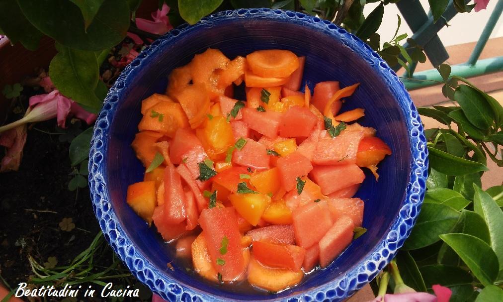 insalata di anguria, albicocche e carote