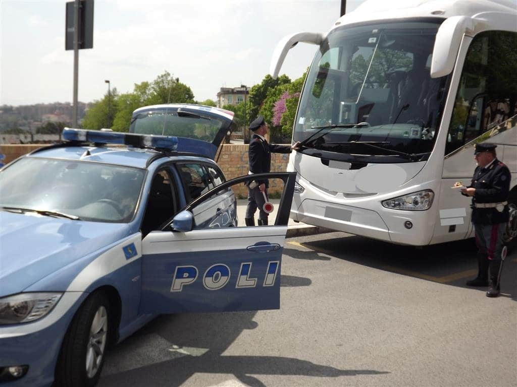 Photo of Fermato bus di giapponesi tra Pisa e Firenze, gravi mancanze e poca sicurezza a bordo.