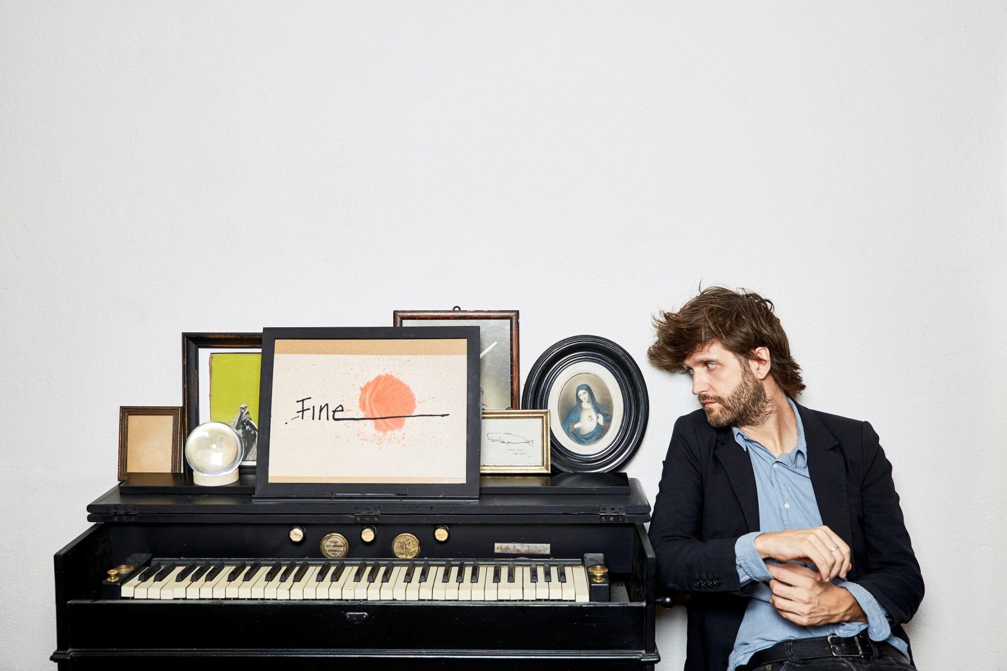 Photo of Dente presenta 'canzoni per metà', prima tappa in Toscana al The Cage
