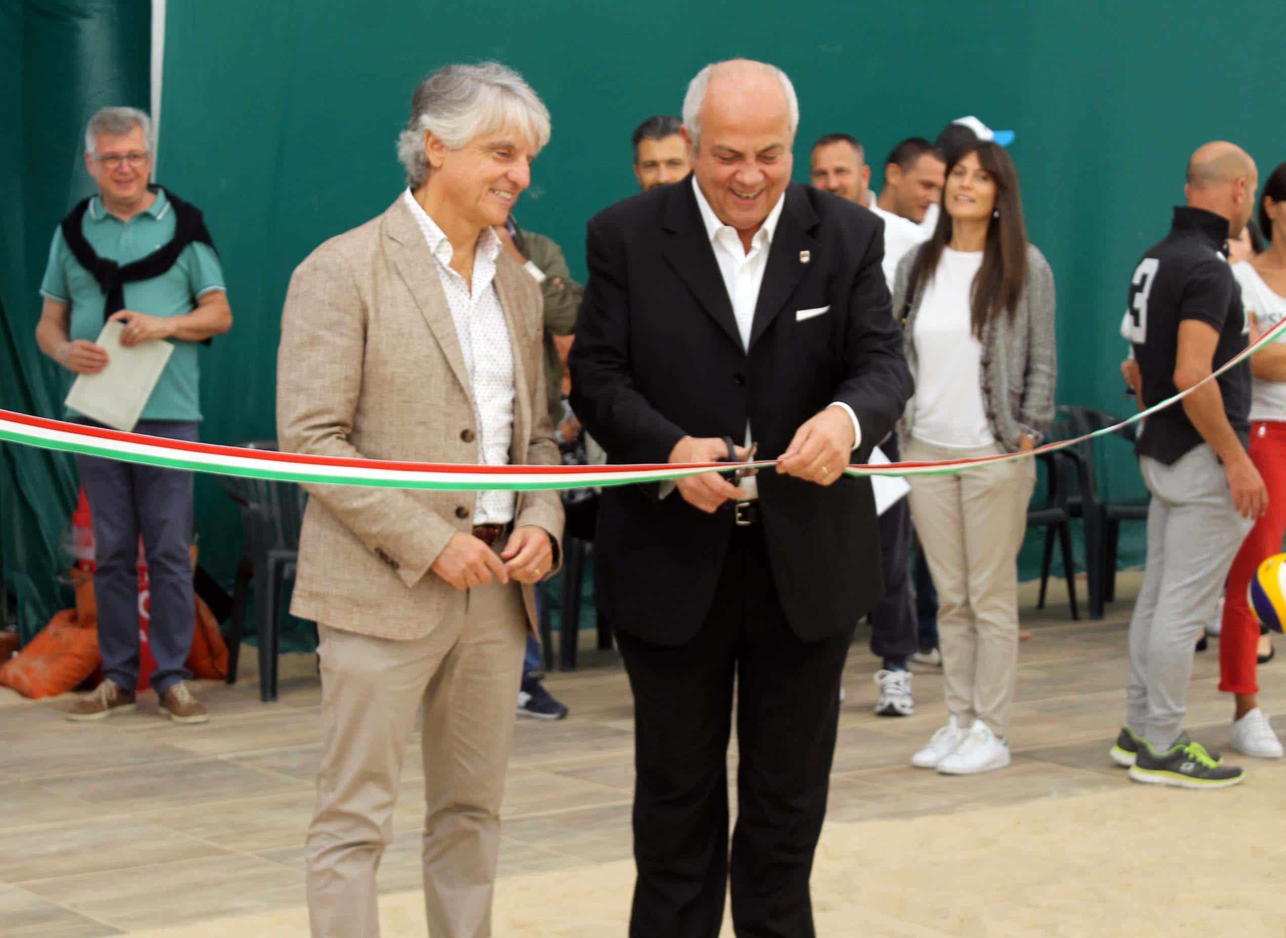 Photo of Sansepolcro inaugura l'impianto dedicato agli sport su sabbia