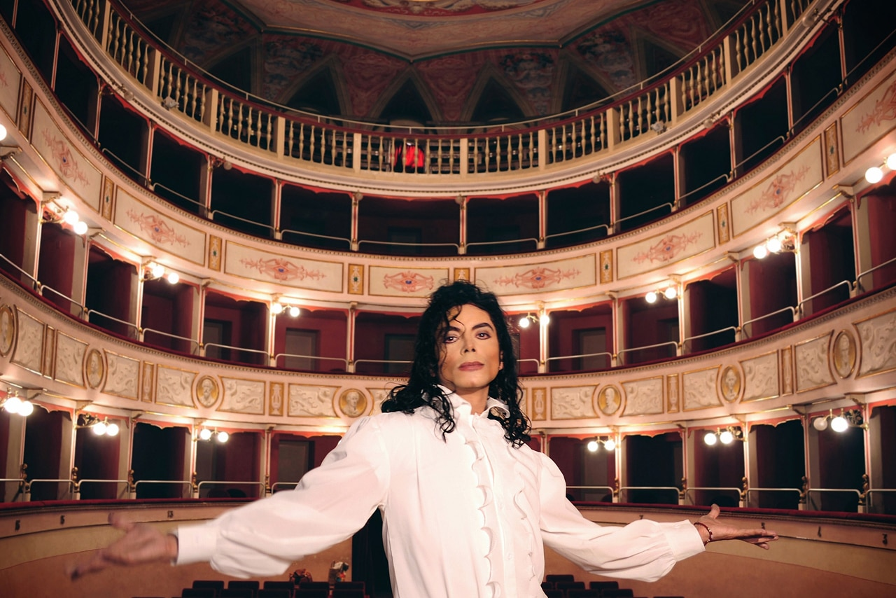 Photo of Sergio Cortés all'Obihall di Firenze – Il tributo a Jacko è un vero show!