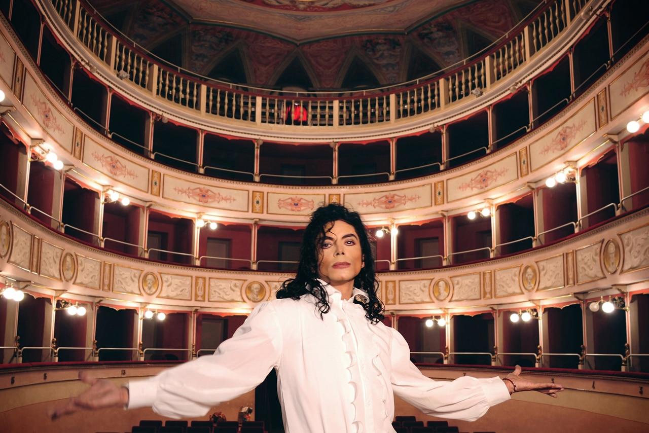 Photo of Sergio Cortés all'Obihall di Firenze – Il tributo a Jacko è un vero show!